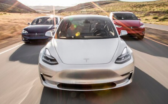 Tesla'nın piyasa değeri 100 milyar doları aştı