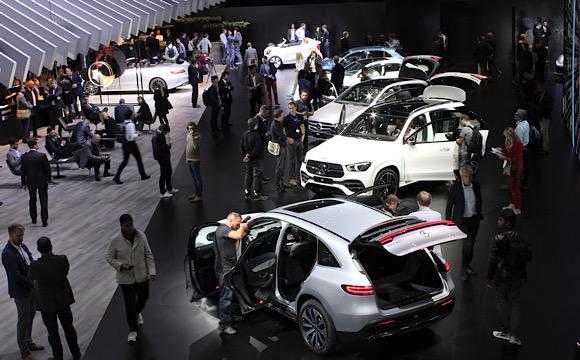 Salgından Paris Otomobil Fuarı da etkilendi