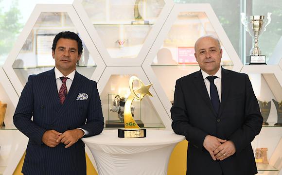 Türkiye'de Yılın Otomobili ödülü Oyak Renault Fabrikaları'nda...