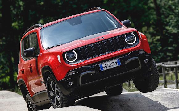 Jeep Renegade ödüle doymuyor