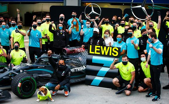 Hamilton 7'nci kez Formula 1 şampiyonu oldu