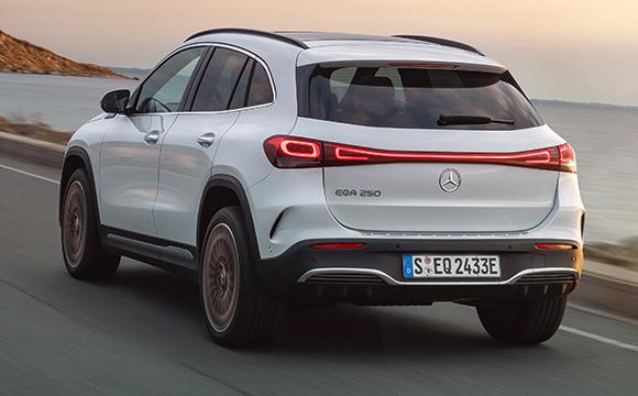 Mercedes-Benz'in yeni elektriklisi EQA tanıtıldı