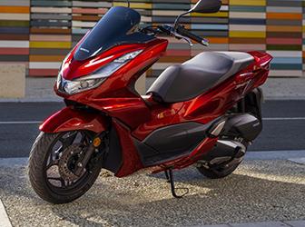 Yenilenen Honda PCX125 Türkiye yollarına çıkıyor