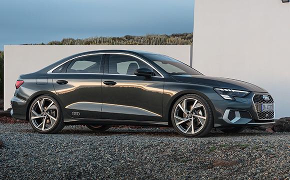 Yeni Audi A3 Türkiye'de...