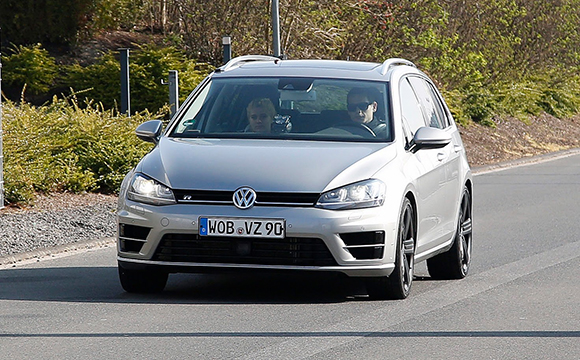 VW, Golf R Variant'ı Ring'de test ediyor
