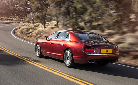 Bentley Flying Spur V8 S Cenevre'ye hazır