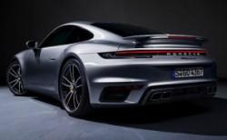 Yeni Porsche 911 Turbo S 650 bg ile geldi